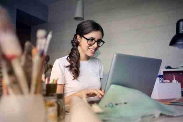 woman-attending-popular-online-business-webinars-on-laptop